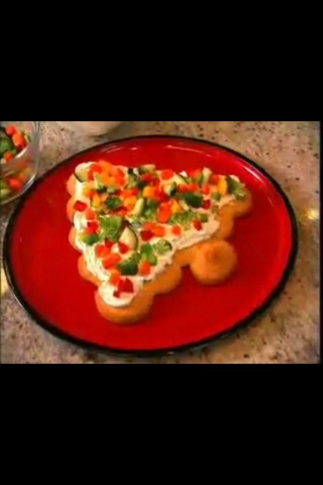 Christmas Tree Veggie Pizza  Christmas tree veggie pizza Makes 2 trees 32