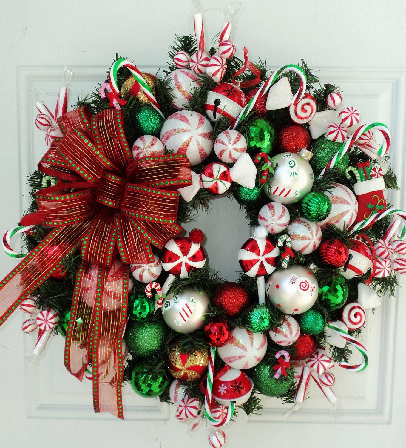 Christmas Wreath Candy  Canada Floral Delivery Blog Making a candy cane Christmas