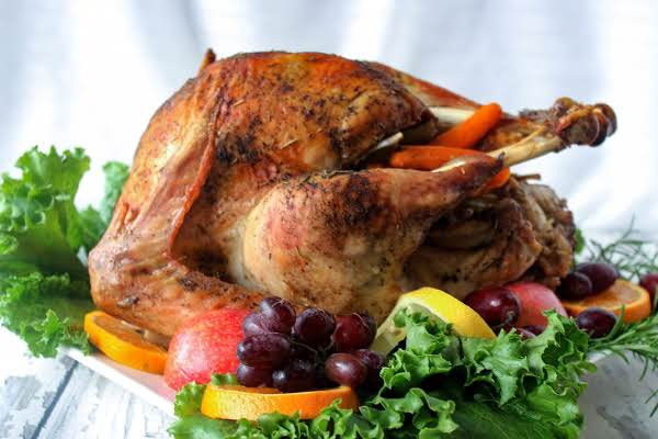 Cooked Thanksgiving Turkey  Herb Roasted Turkey Cooked In Oven Cooking Bag Recipe