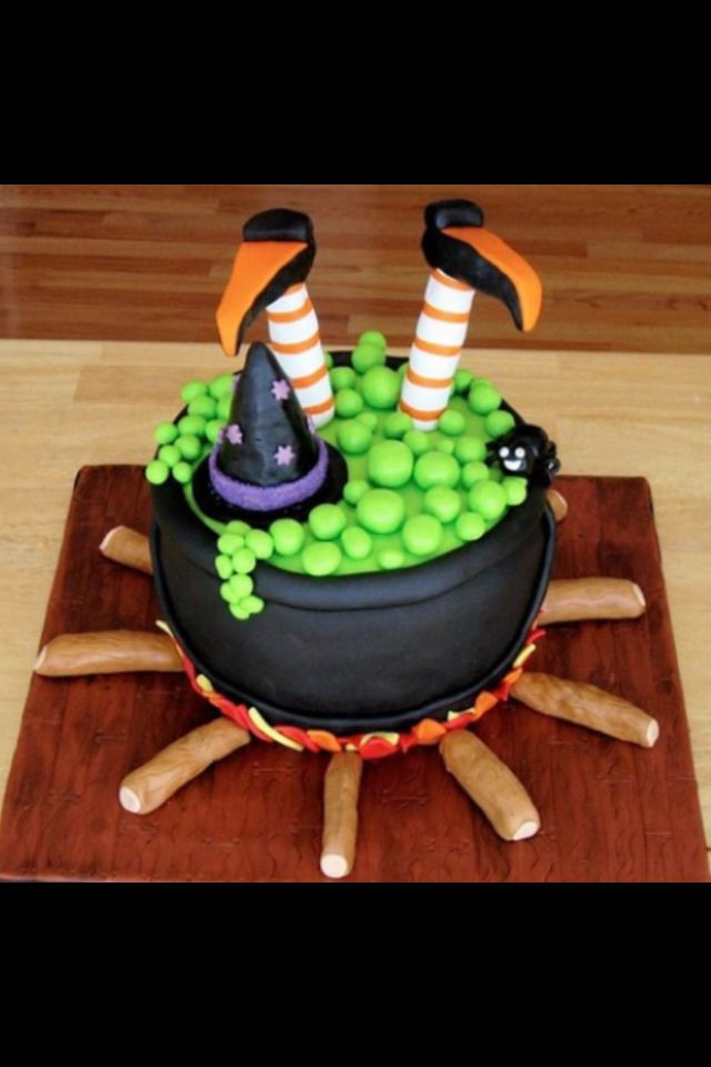 Cool Halloween Cakes  25 best ideas about Witch cake on Pinterest