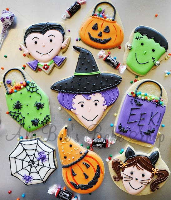 Cute Halloween Cookies  269 best images about Cookies Using Heart Shaped Cookie