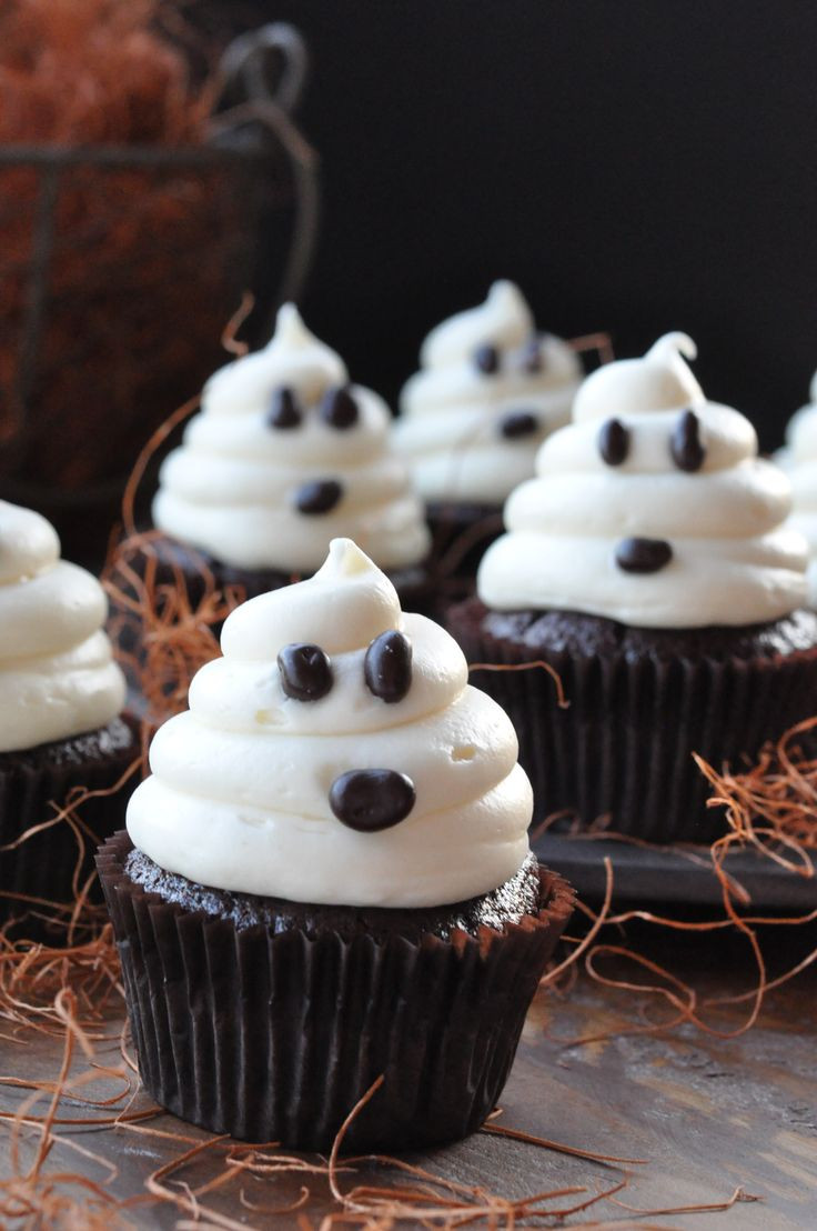 Cute Halloween Cupcakes  20 Sweet and Easy Treats for Halloween Party Style