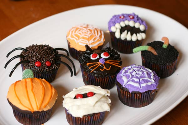 Cute Halloween Cupcakes  Random Craft Halloween Cupcakes