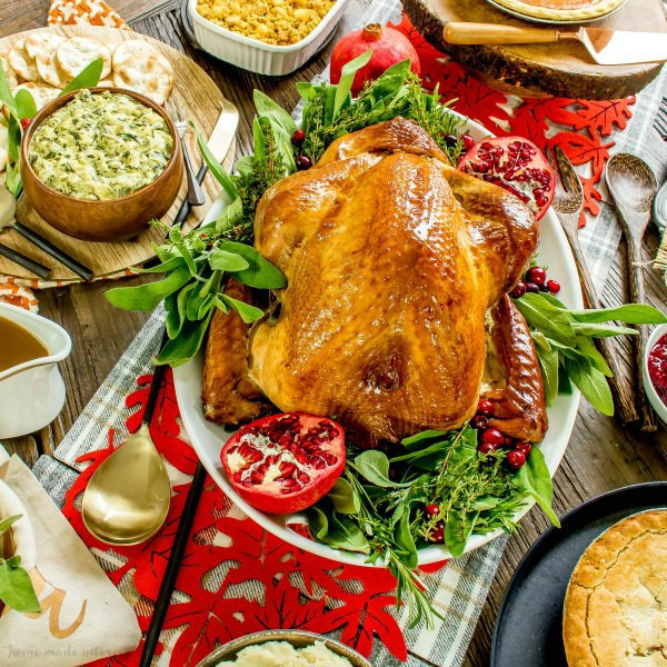 Delivered Thanksgiving Dinners  Simplify the Holidays with Traditional Thanksgiving Dinner