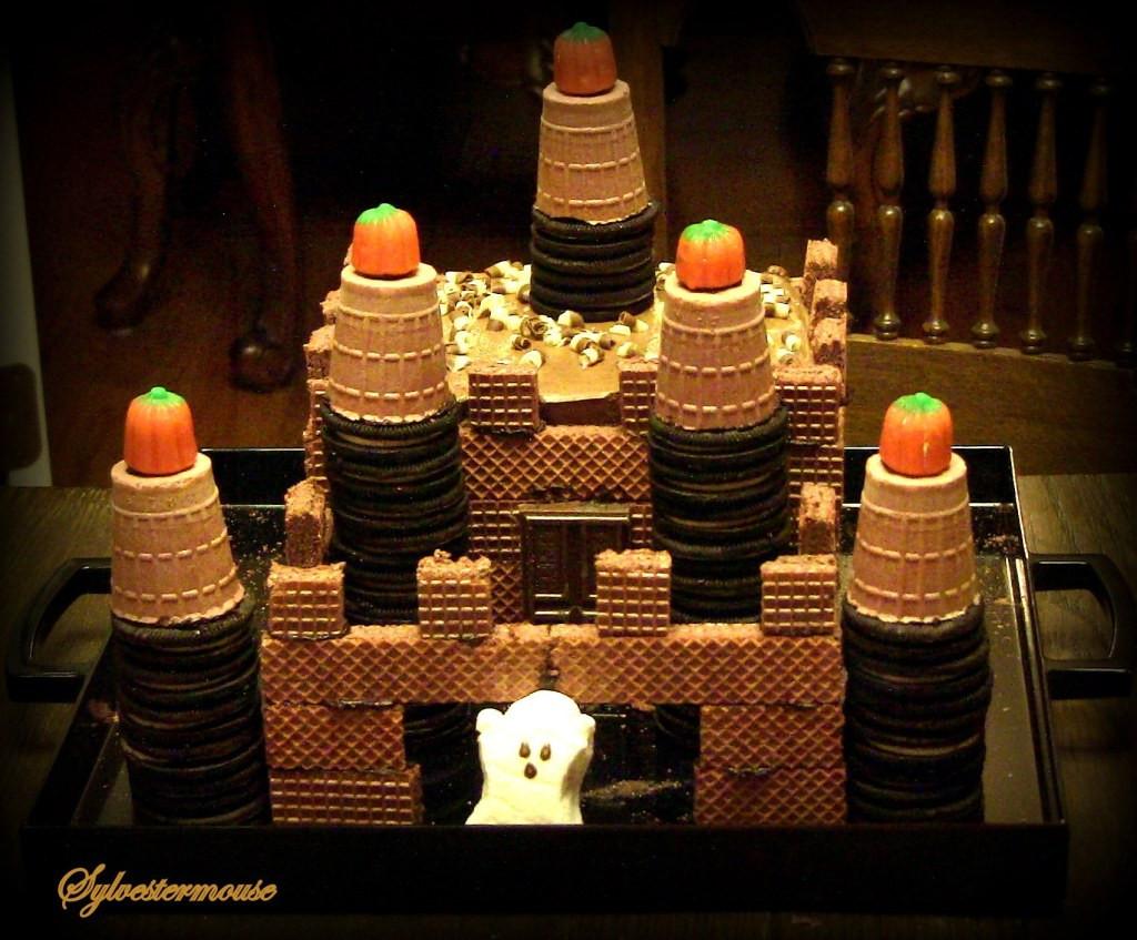 Diy Halloween Cakes  How to Make a Chocolate Halloween Ghost Castle Cake