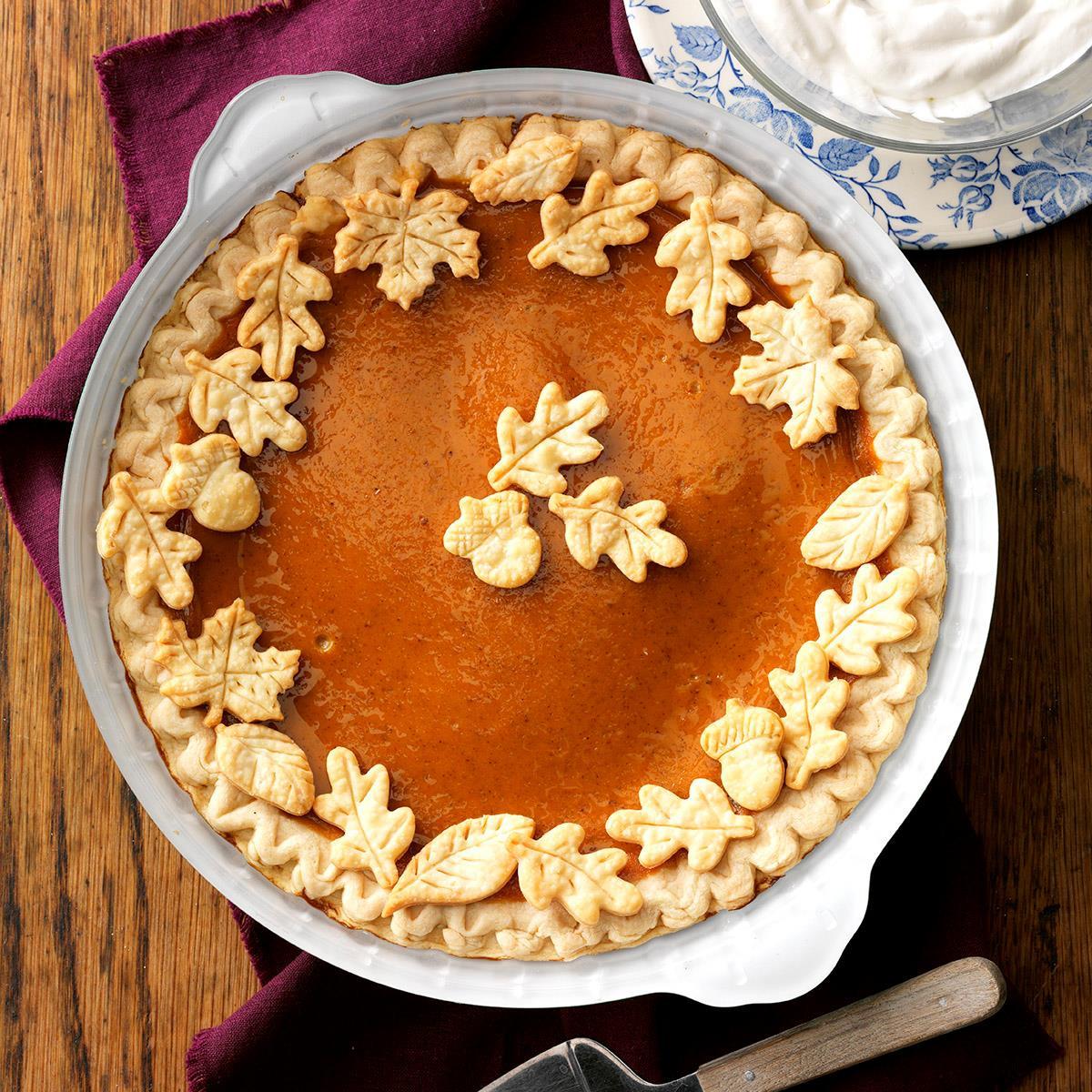Easy Thanksgiving Pie Recipes  Easy Pumpkin Pie Recipe