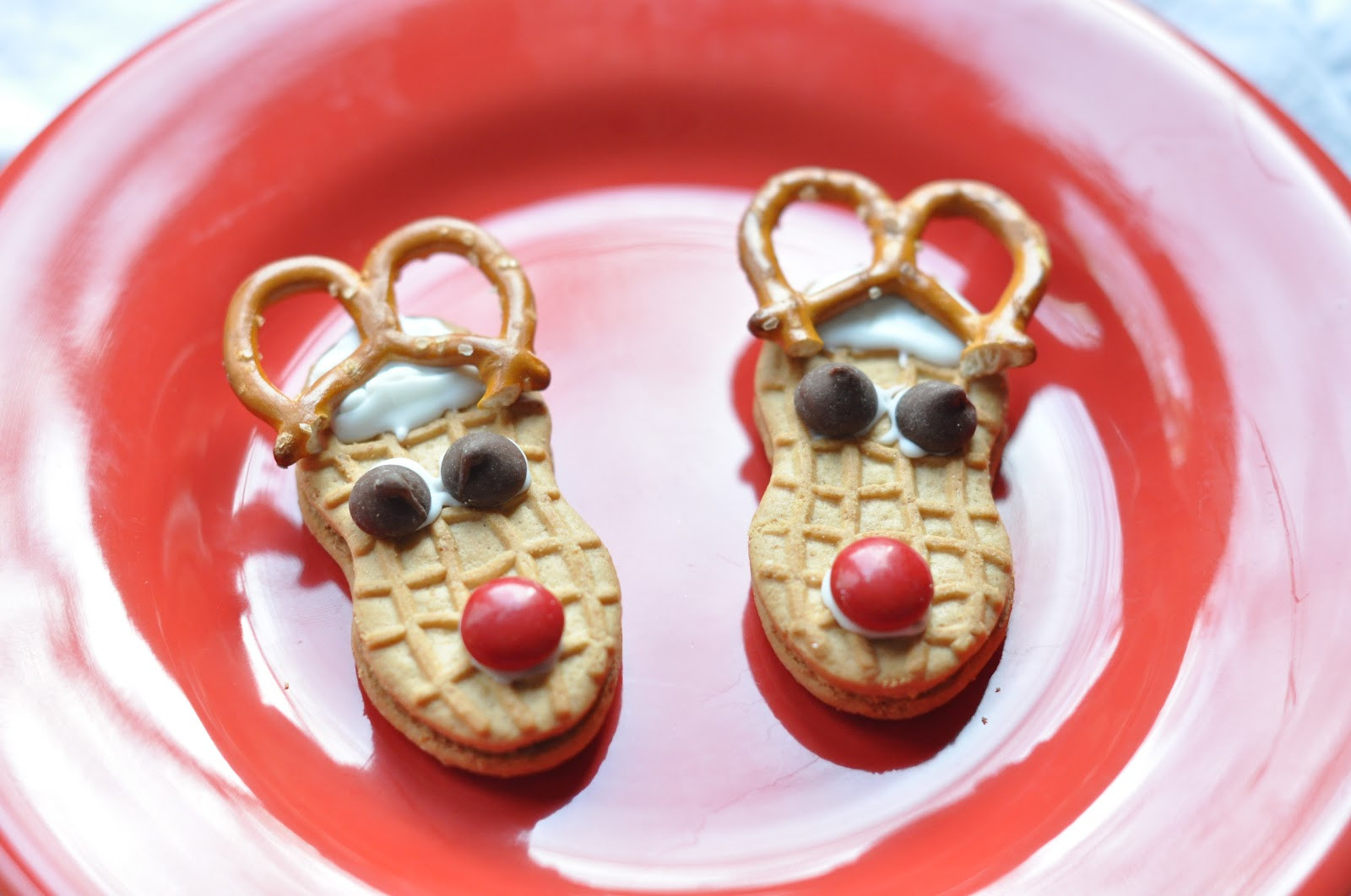 Easy To Make Christmas Cookies  Easy Meals for Moms EASY and fun holiday treats to make