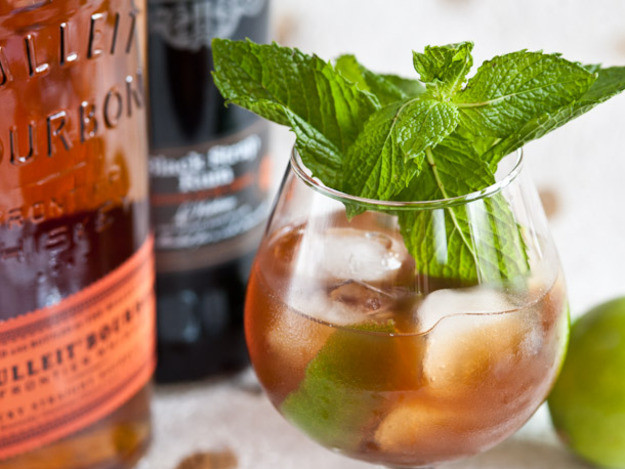 Fall Whiskey Drinks  10 Bourbon Cocktail Recipes We Love