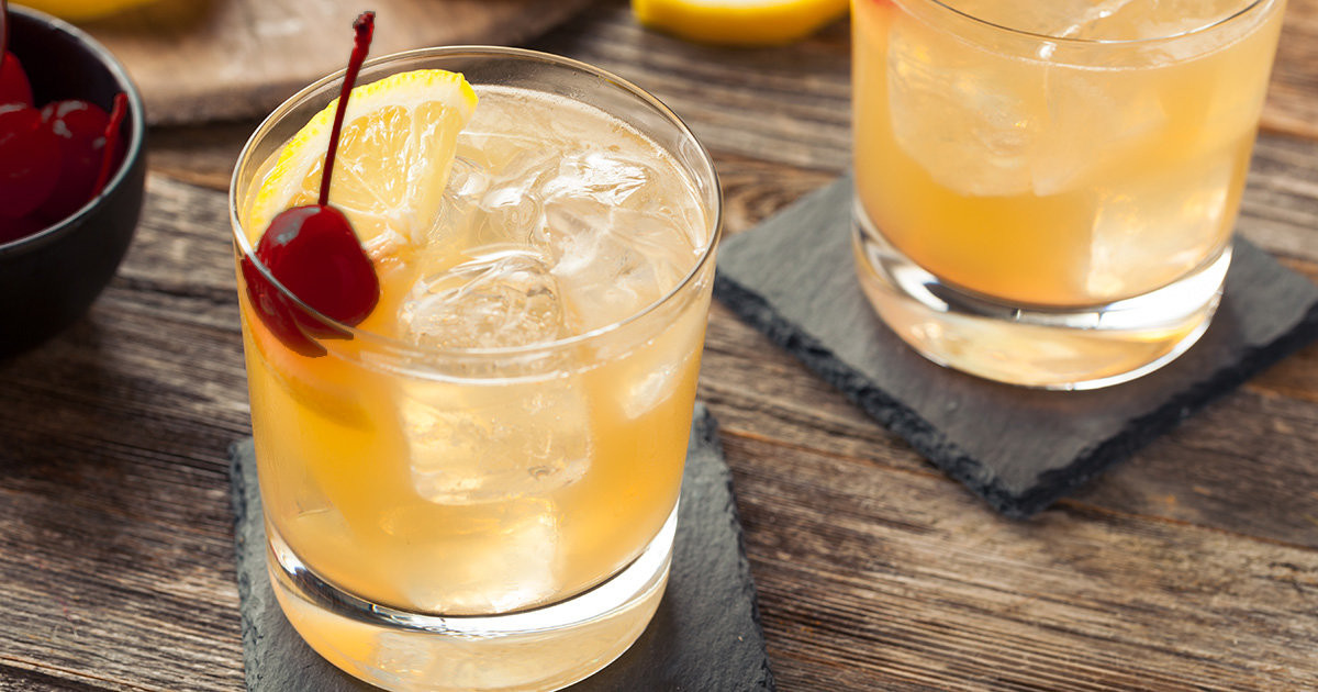 Fall Whiskey Drinks  5 Must Try Whiskey Cocktails for Fall