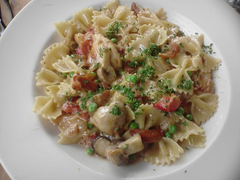 Farfalle With Chicken And Roasted Garlic  Lunch size farfalle with chicken and roasted garlic Yelp