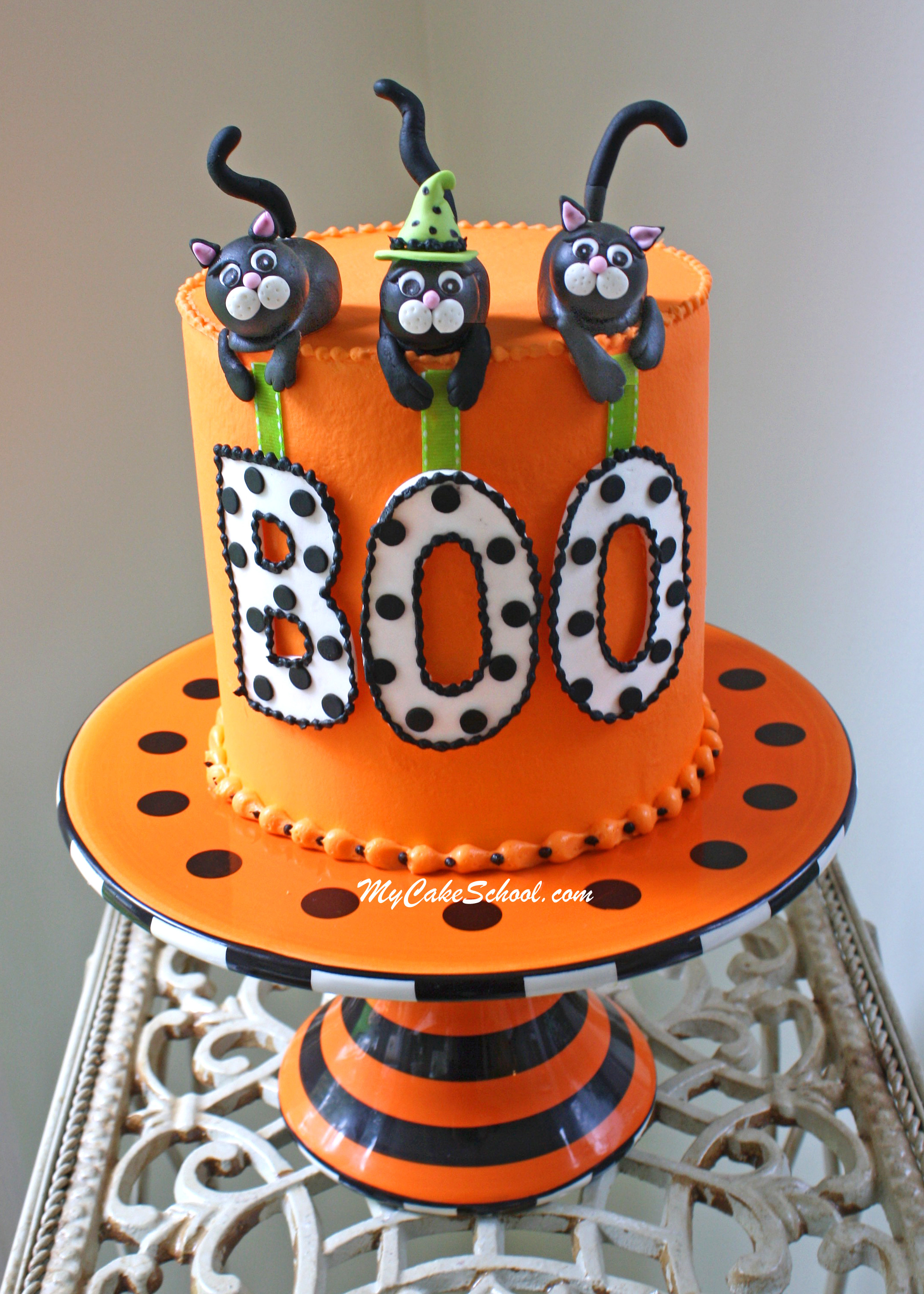 Fun Halloween Cakes  Roundup of the BEST Halloween Cakes Tutorials and Ideas
