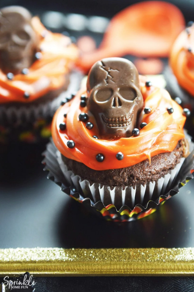 Funny Halloween Cupcakes  43 Halloween Cupcake Recipes to Serve at Your Costume Party