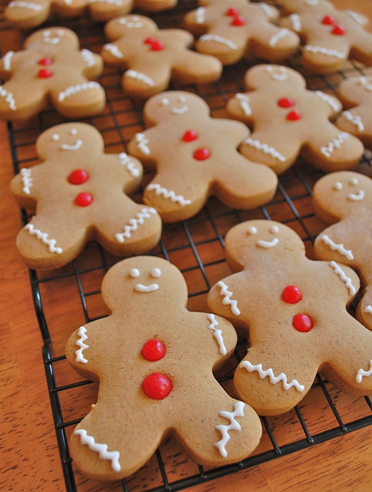 Ginger Bread Christmas Cookies  Chef Mommy Gingerbread Cookies