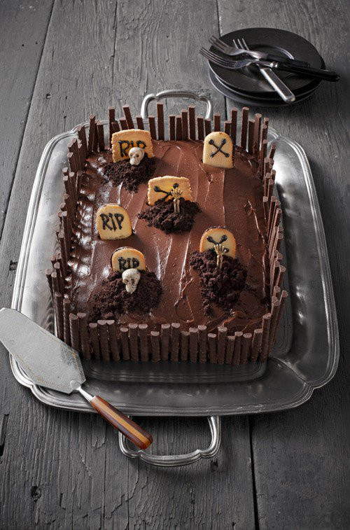 Graveyard Cakes Halloween  10 Ghoulishly Fun Sweets & Treats You Can Make to