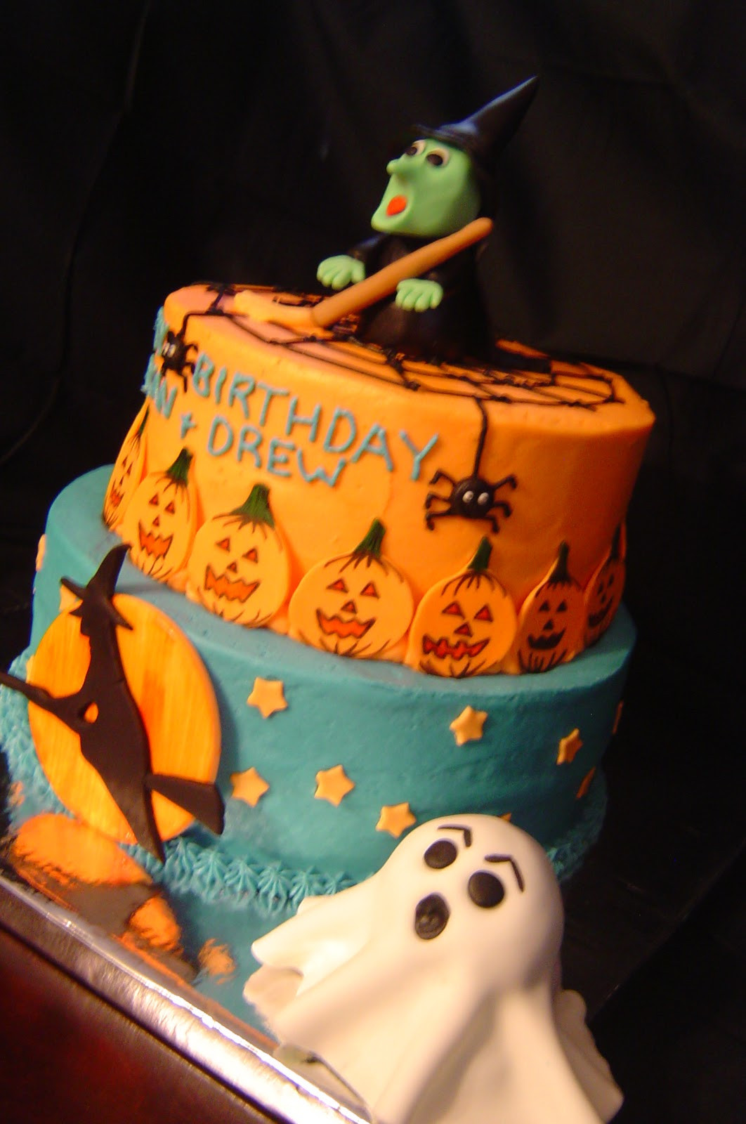 Halloween Birthday Cupcakes  My Cake Blog Halloween Birthday