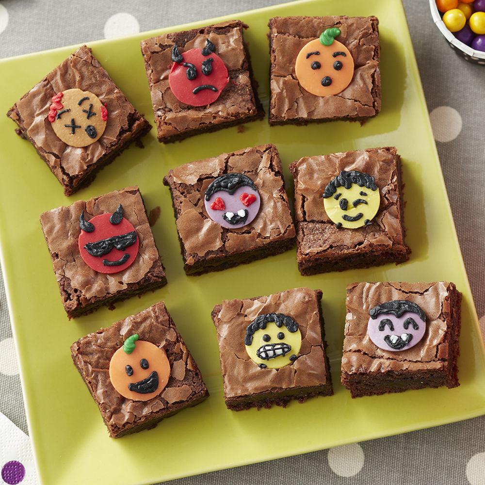 Halloween Brownies Decorating  Halloween Emoji Brownies Halloween Brownies