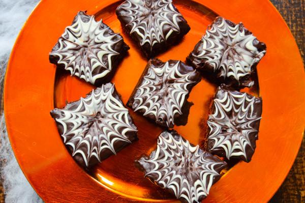 Halloween Brownies Decorating  Halloween Brownies