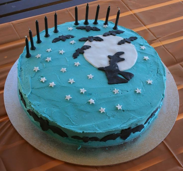 Halloween Cakes For Kids  107 best EASY TO MAKE HALLOWEEN CAKES images on Pinterest