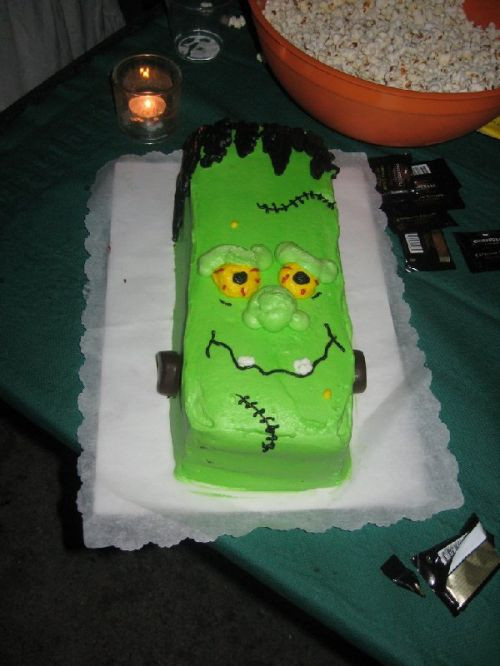 Halloween Cakes For Kids  Birthday and Party Cakes Halloween Cakes For Kids 2010