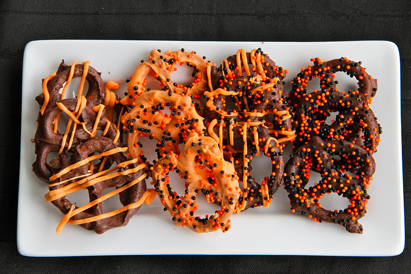 Halloween Chocolate Covered Pretzels  the life of a wife October 2011