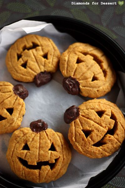 Halloween Cookies For Sale  1000 images about Halloween Bake Sale Ideas on Pinterest