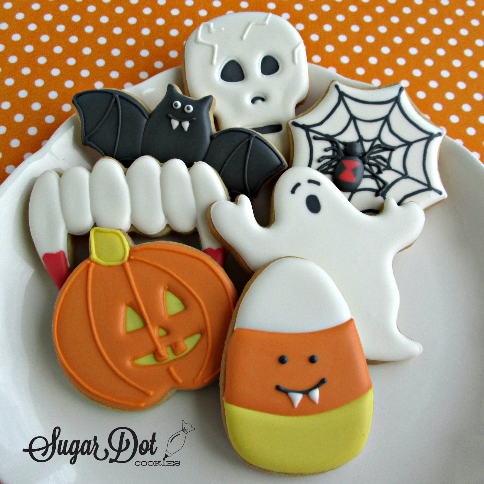 Halloween Cookies Pictures  The table all set for the party to begin