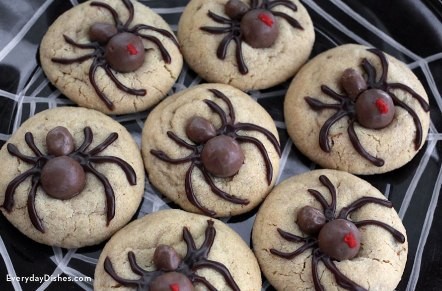 Halloween Cookies Recipes  Easy and Fun Halloween Spider Cookies Recipe
