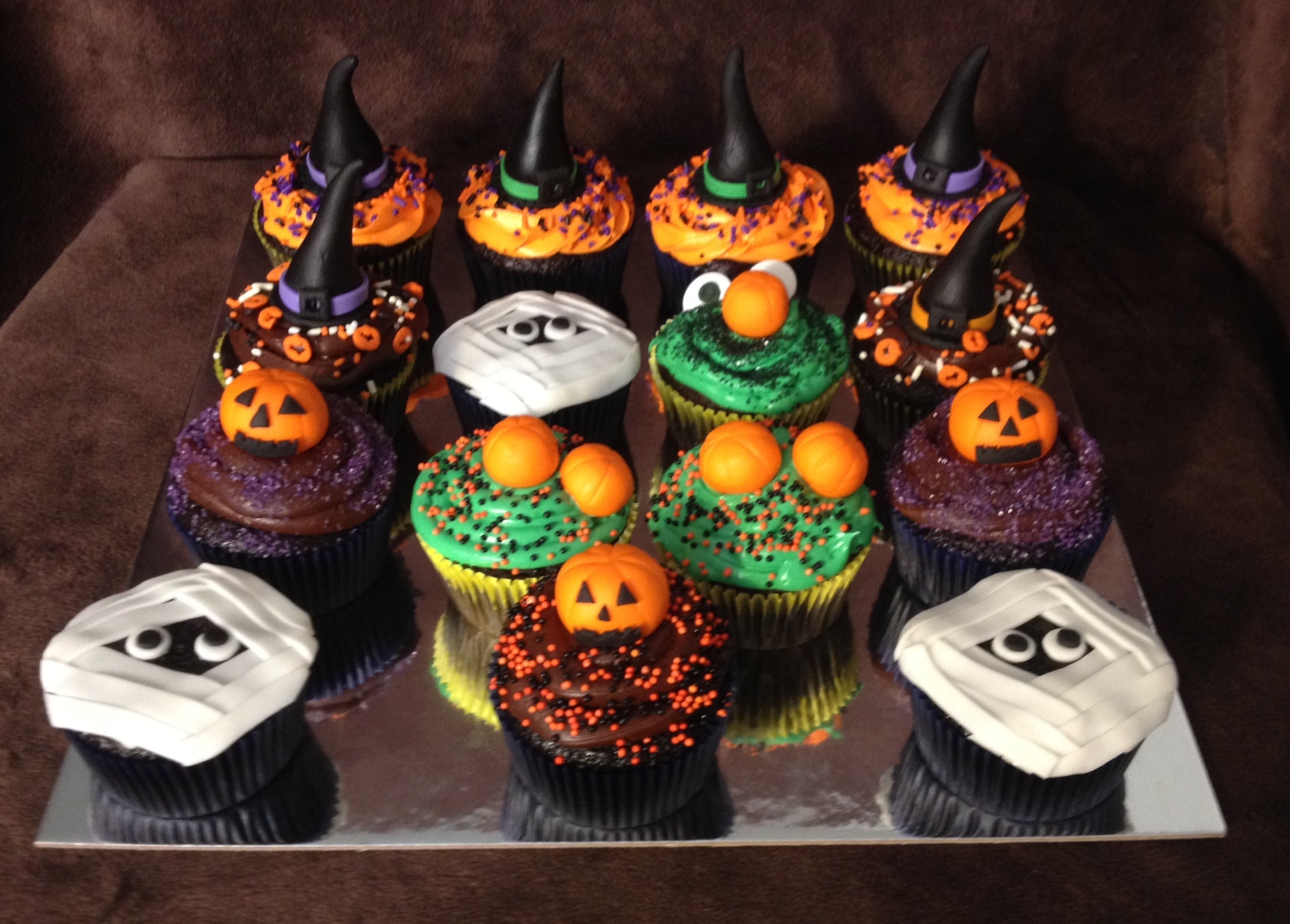 Halloween Cupcakes Cake  301 Moved Permanently