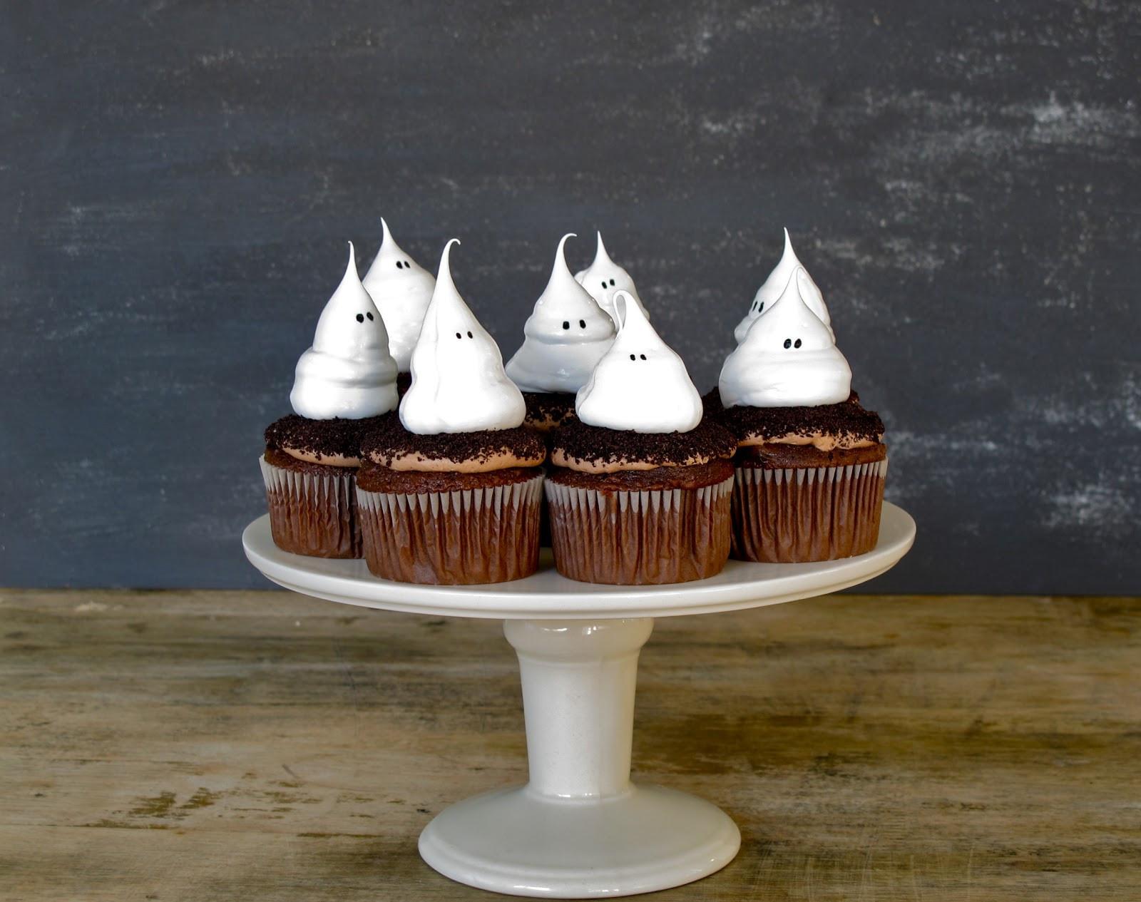 Halloween Cupcakes Cakes  Jenny Steffens Hobick Halloween Cupcakes