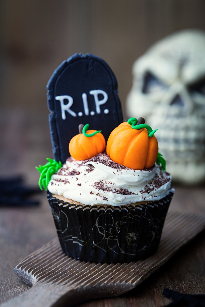 Halloween Cupcakes Cakes  Halloween Cupcake Ideas