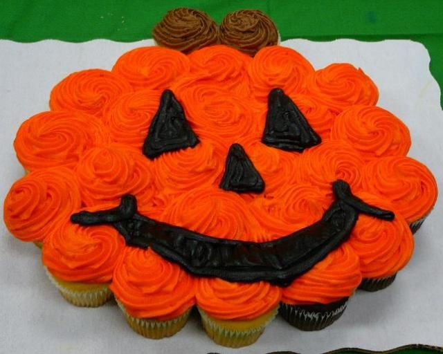Halloween Cupcakes Cakes  25 best ideas about Halloween cupcakes decoration on