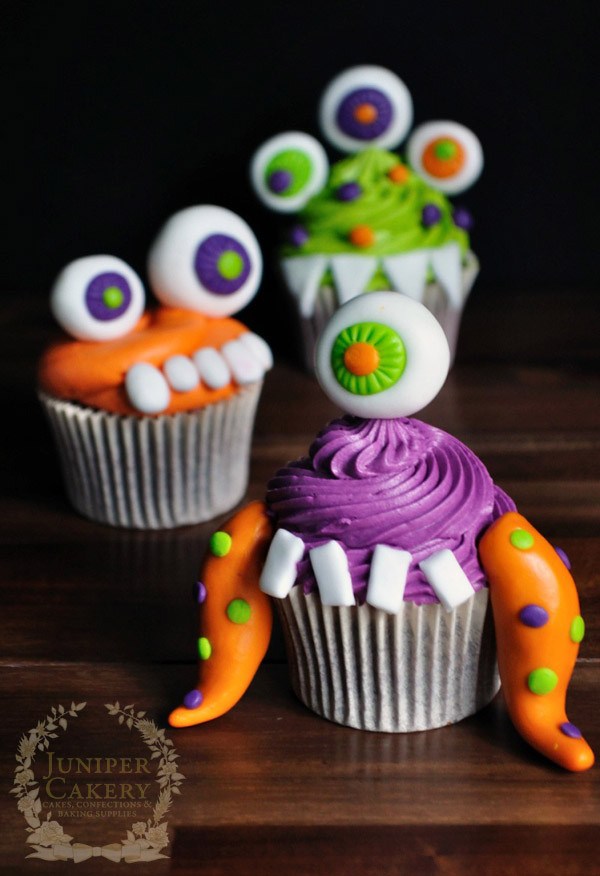 Halloween Cupcakes For Kids  Halloween Cake Decorating Simple Striped Halloween Cake