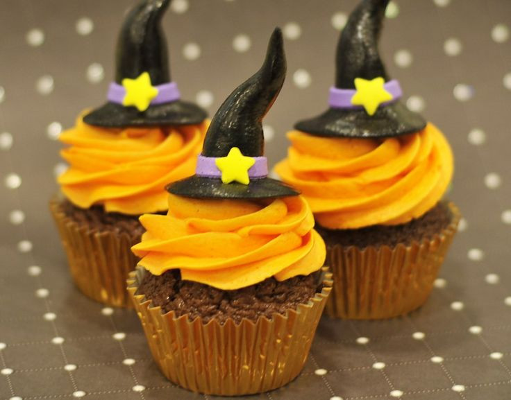 Halloween Cupcakes Pinterest  10 best images about Halloween Cupcakes on Pinterest