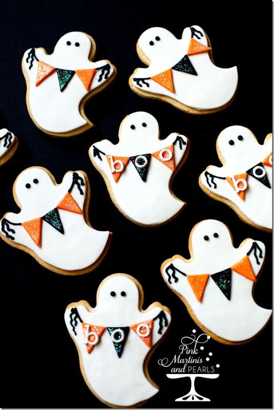 Halloween Decorated Sugar Cookies  Best 25 Halloween cookies decorated ideas on Pinterest