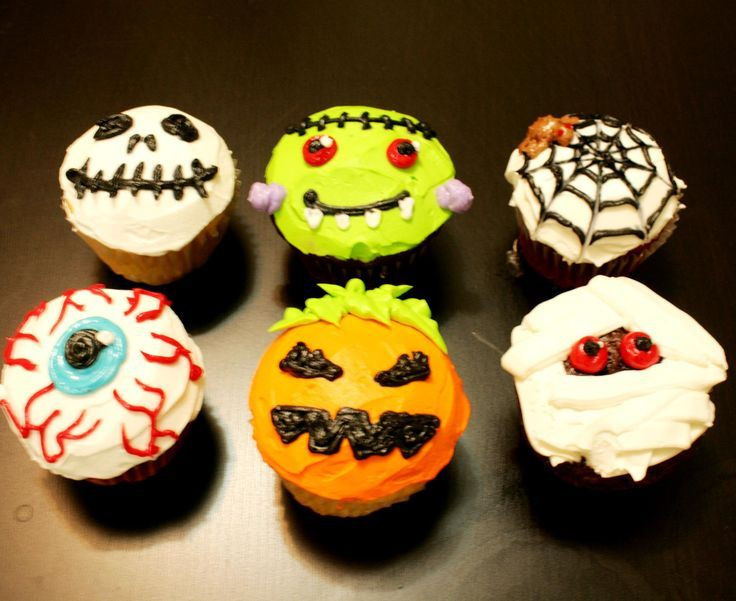 Halloween Decorating Cupcakes  25 best ideas about Movie Cupcakes on Pinterest