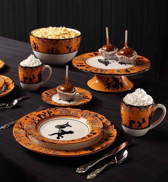 Halloween Dinner Plates  Happy Haunting Halloween Dinner Plates Set of 4