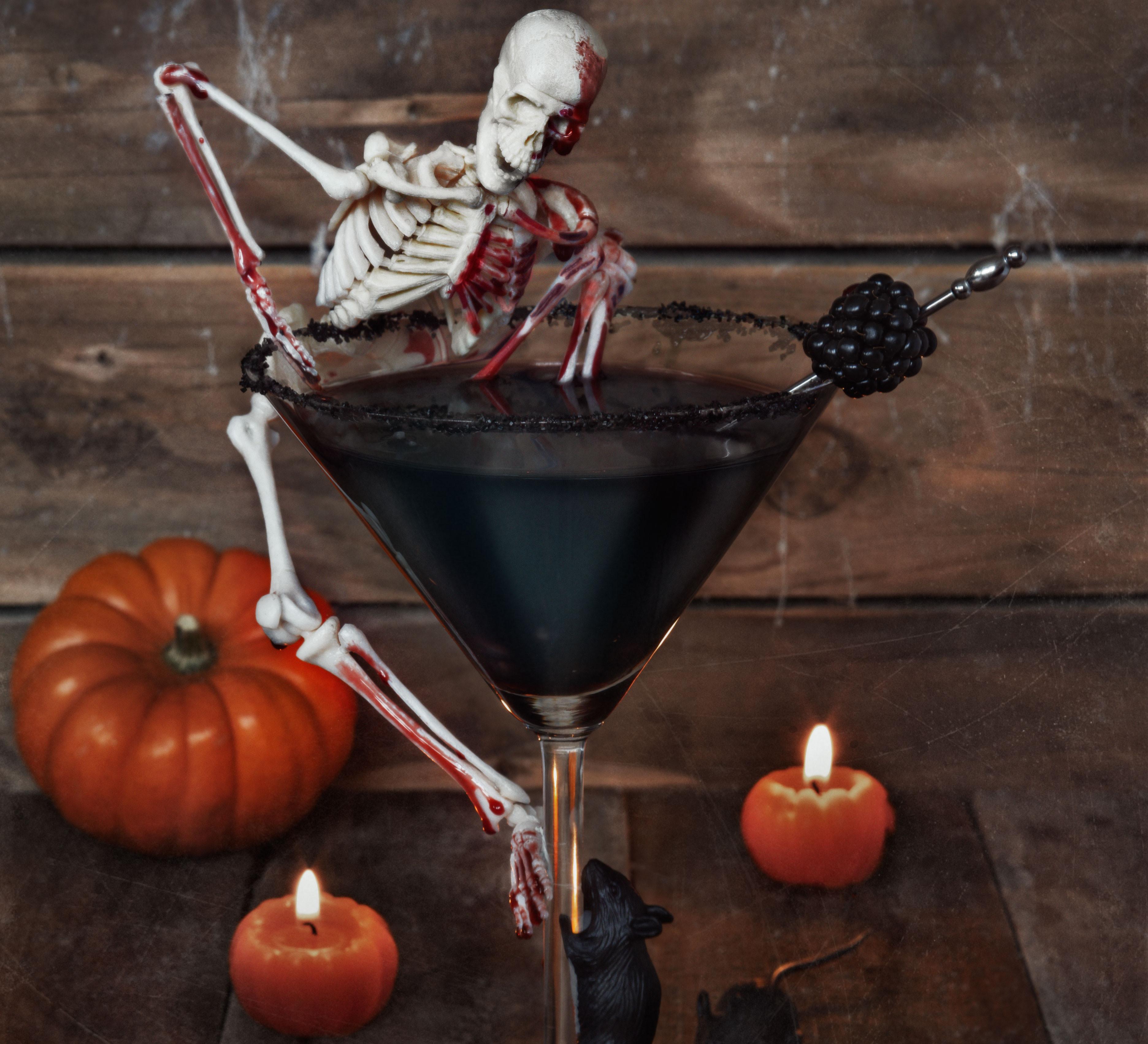 Halloween Drinks With Vodka  Haunting Halloween cocktail