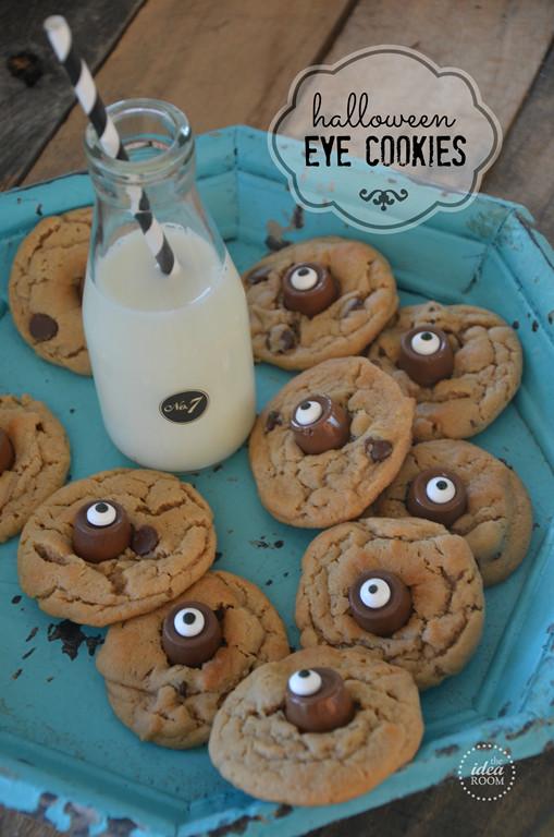Halloween Eyeball Cookies  Halloween Monster Crafts and Treats The Idea Room