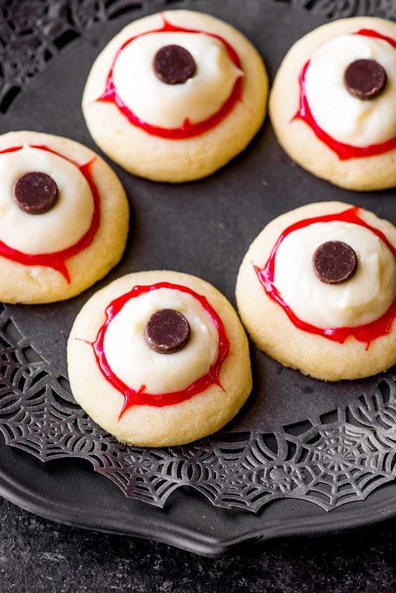 Halloween Eyeball Cookies  Eyeball Cookies Homemade Hooplah