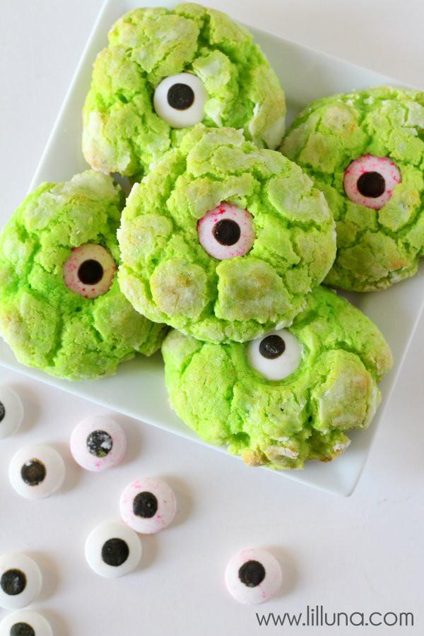 Halloween Eyeball Cookies  Gooey Monster Eye Cookies