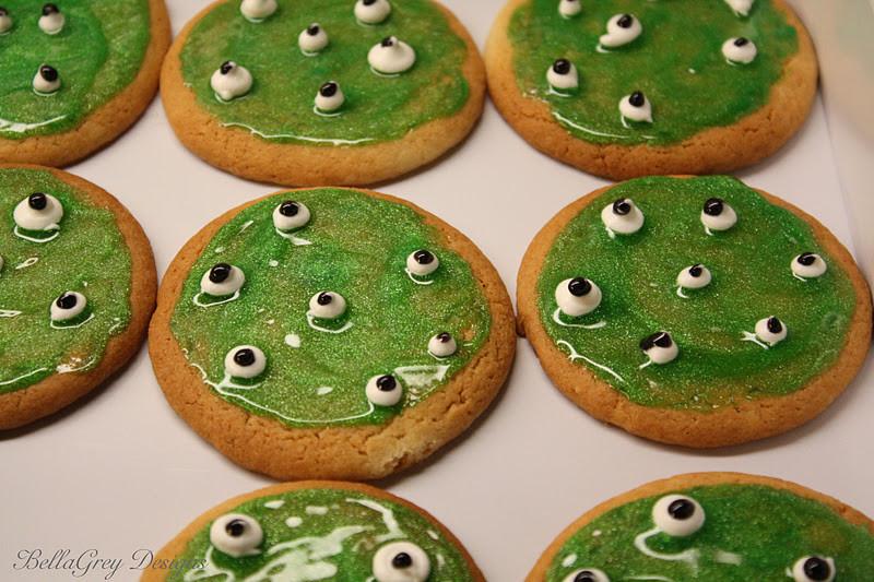 Halloween Eyeball Cookies  BellaGrey Designs Halloween Eyeball Cookies