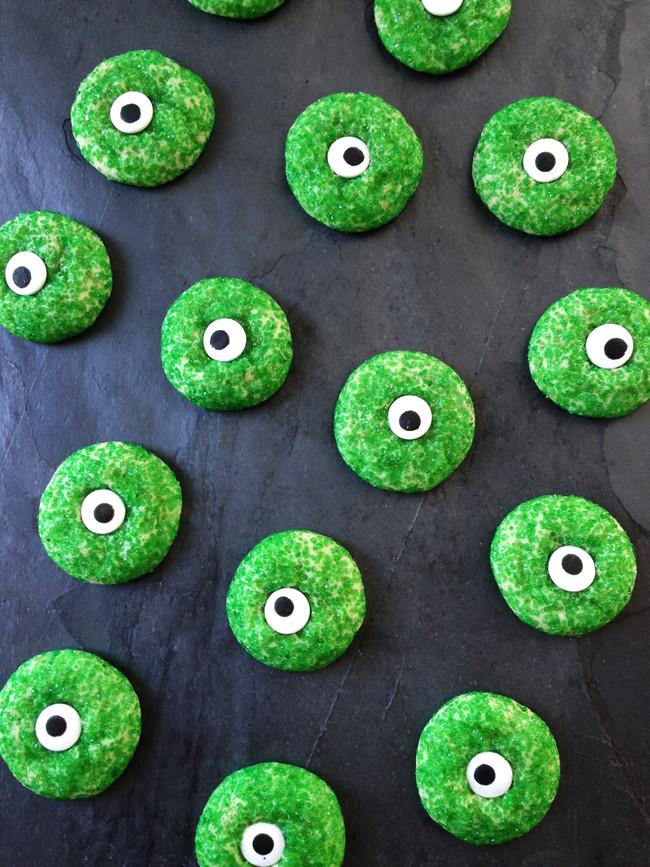 Halloween Eyeball Cookies  Halloween Sugar Cookies A Pretty Life In The Suburbs
