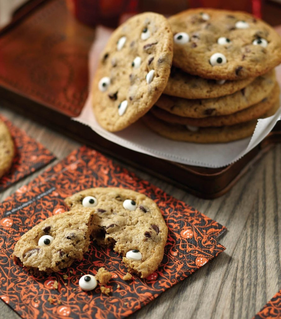 Halloween Eyeball Cookies  Spooky Halloween Eyeball Cookies Recipe