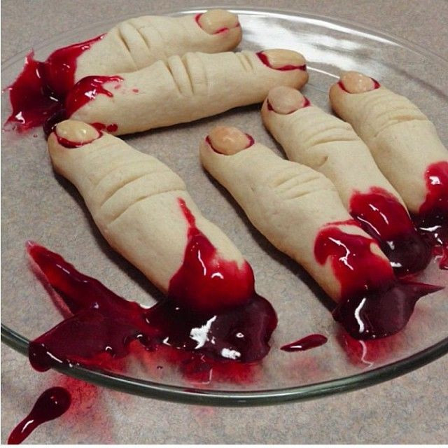 Halloween Finger Cookies  Halloween bloody fingers