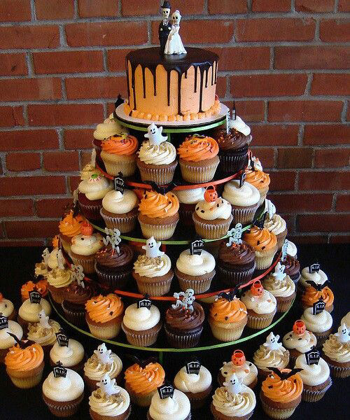 Halloween Inspired Cupcakes  Halloween themed weddings