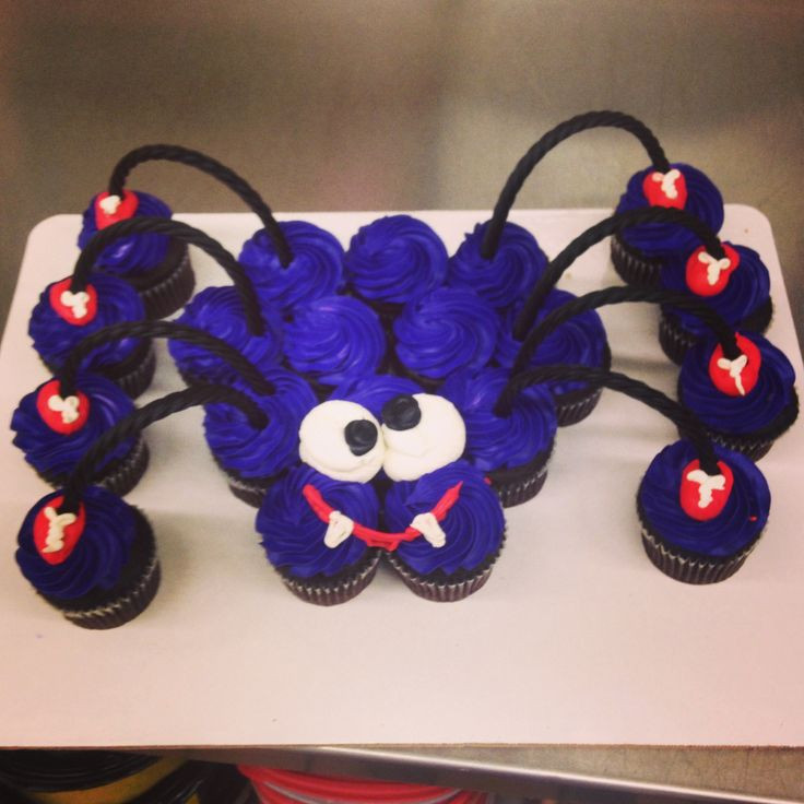 Halloween Pull Apart Cupcakes  370 best Cupcakes 5 Made into Shapes images on Pinterest