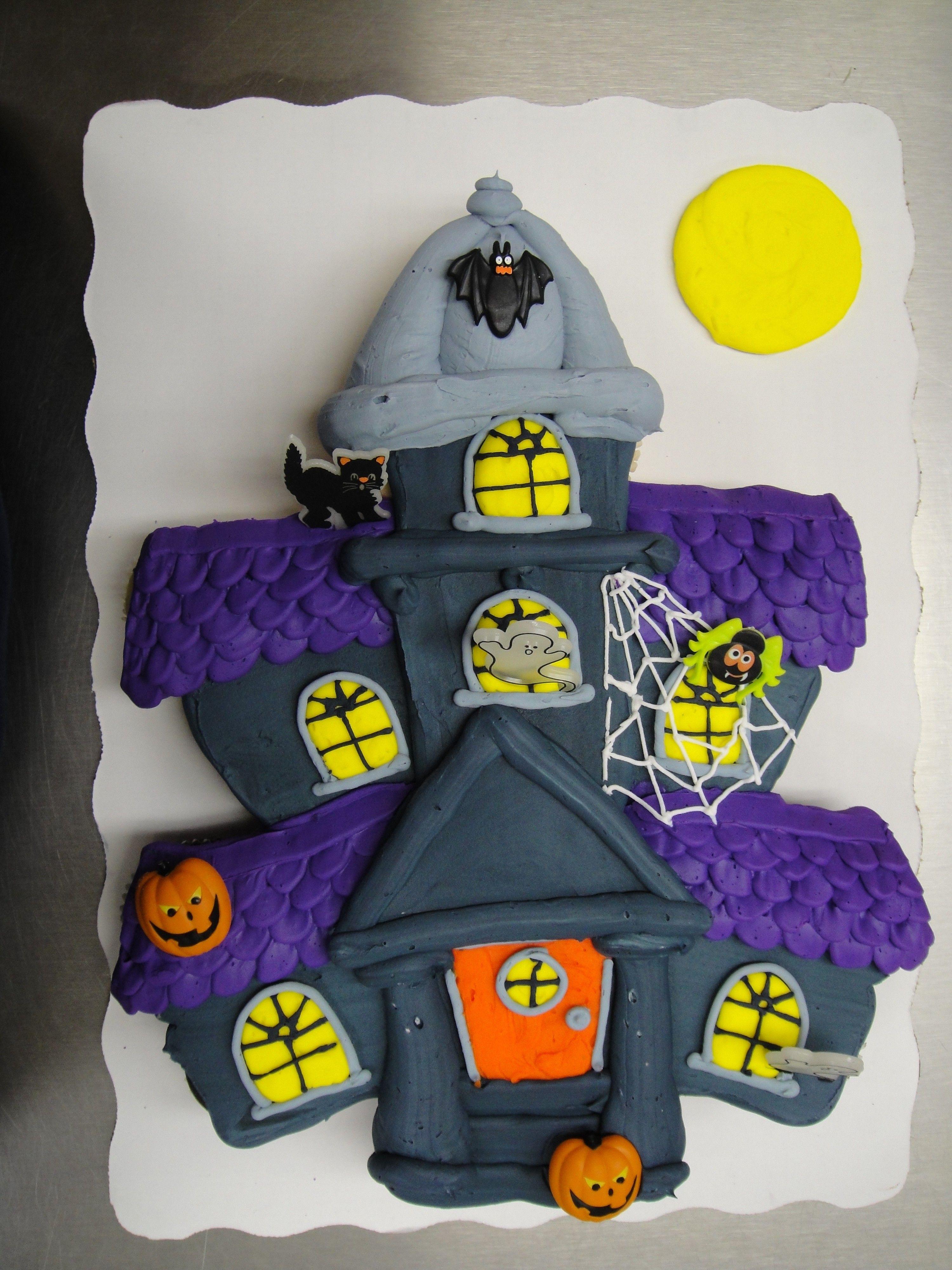 Halloween Pull Apart Cupcakes  Haunted house cupcake cake cupcake cake made with 24