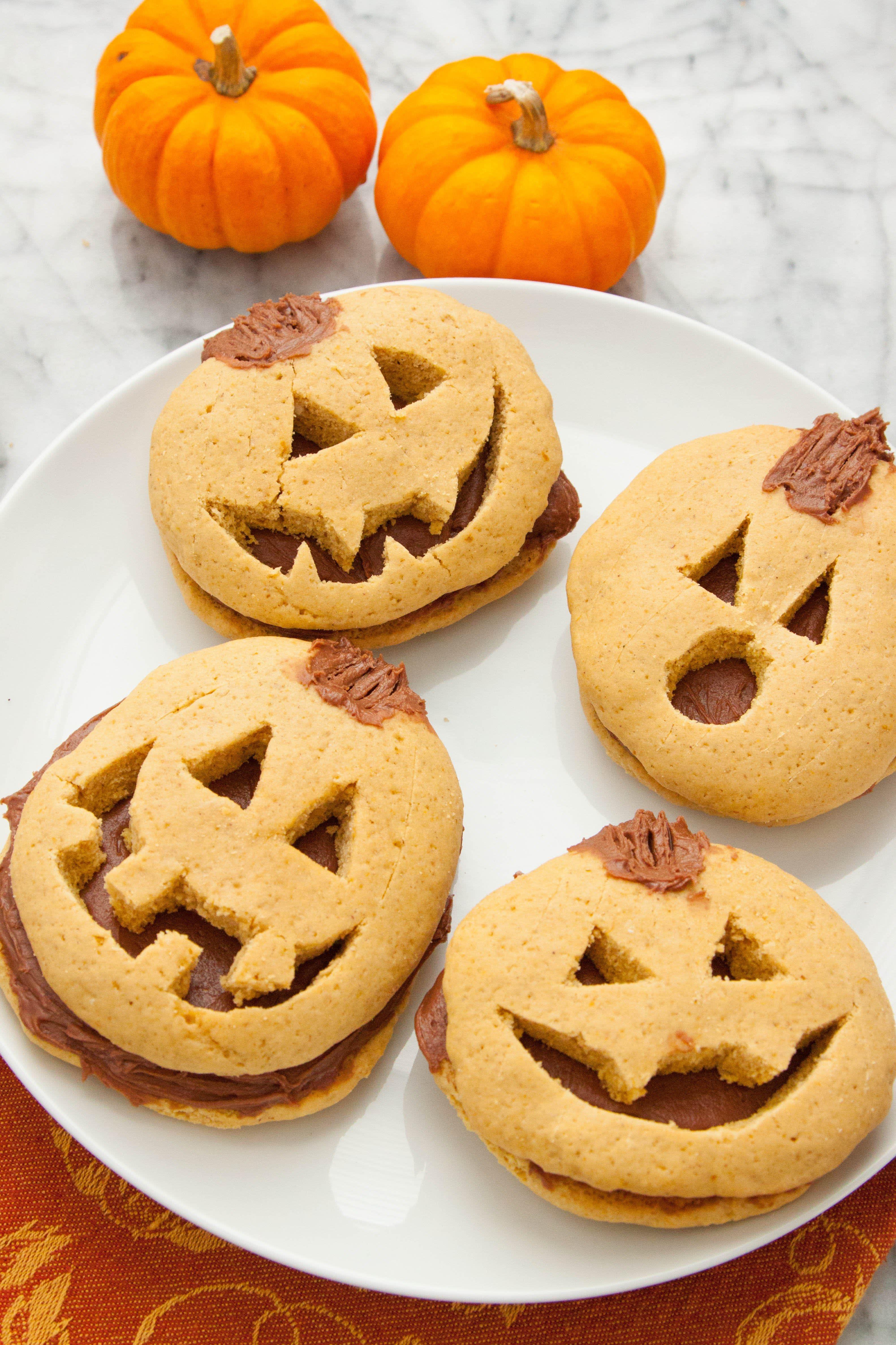 Halloween Pumpkin Cookies  How To Make Halloween Pumpkin Cookies