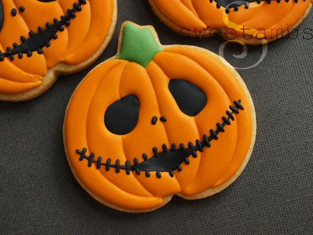 Halloween Pumpkin Cookies  1000 images about Halloween Cookies on Pinterest