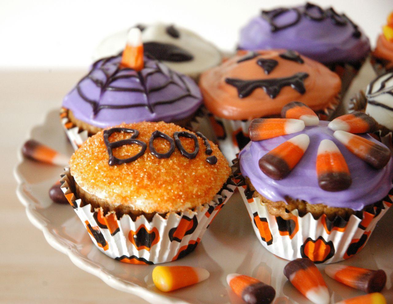 Halloween Pumpkin Cupcakes  Goddess of Baking Spiced Pumpkin Cupcakes for Halloween